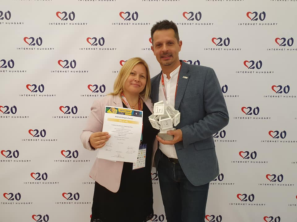 Timi and Tamás át Internet Hungary holding the award we received for our gamification based software